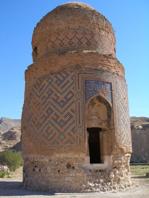 1024px-Zeynel_Bey_Mausoleum Hasankeyf Mausoleum of Zeynel Bey son of Sultan Uzun Hasan Hasan the Tall of the Aq Qoyunlu dynasty or White Sheep Turkomans 1378 1508
